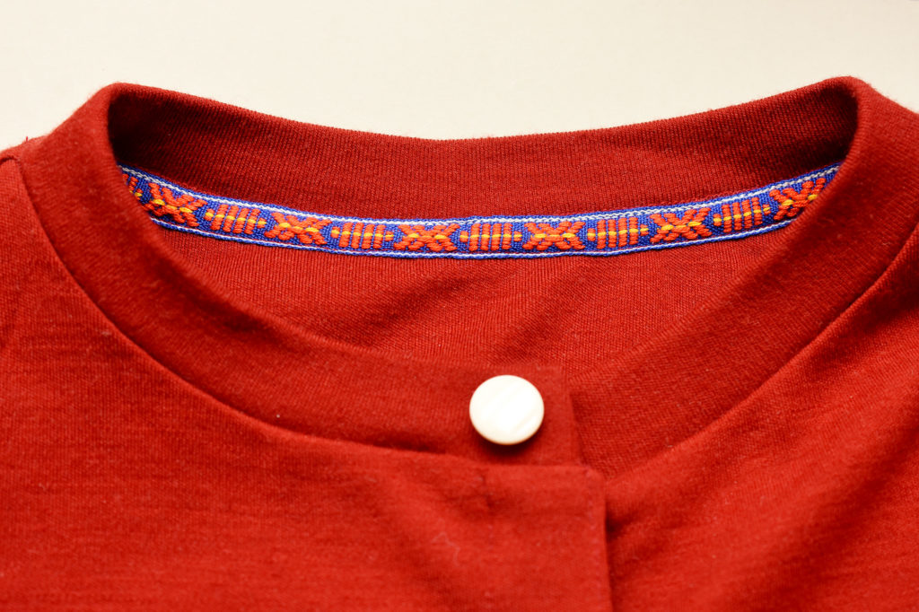 Twill tape neckline tutorial