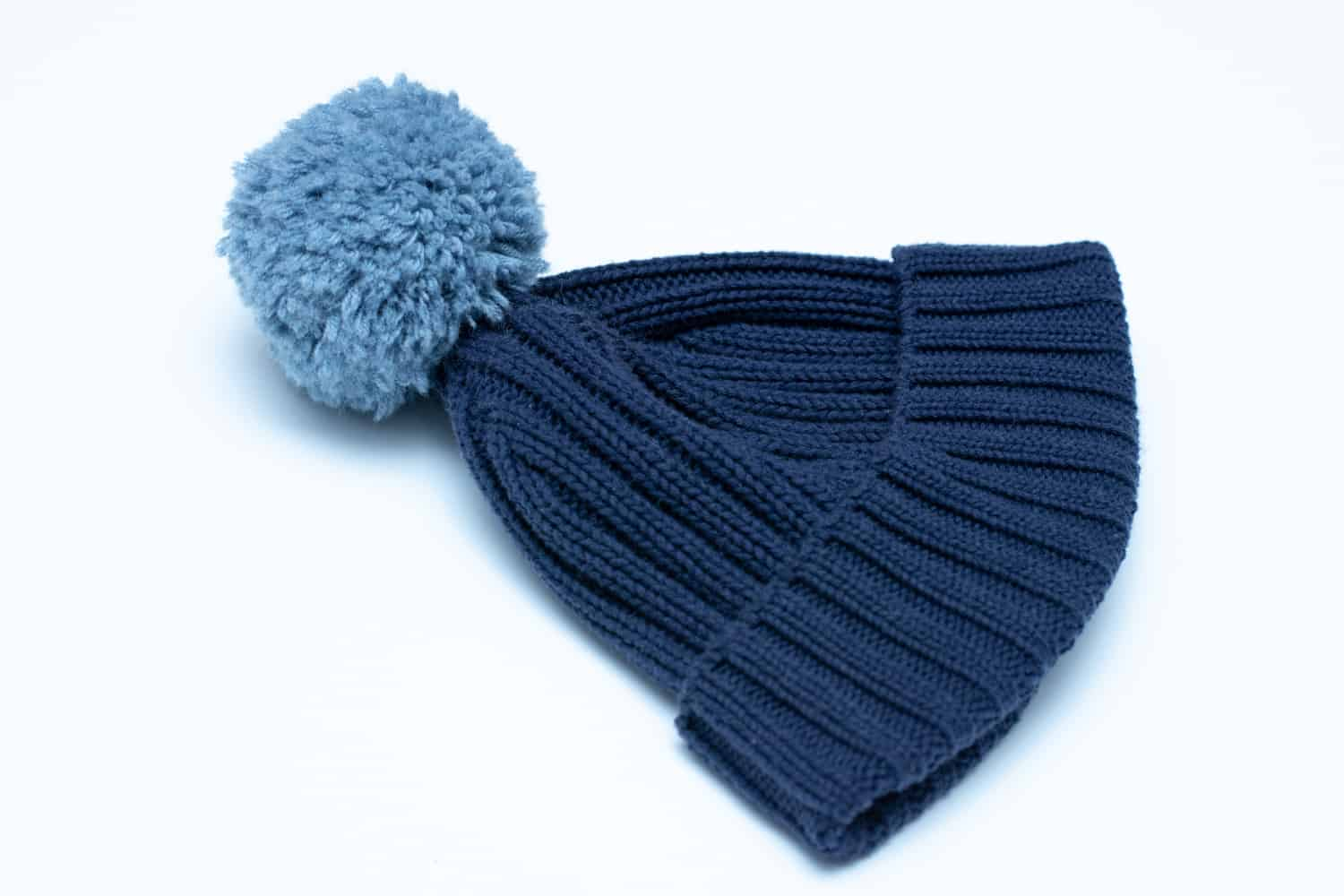 How to make a pom-pom for your knit hat and beanie