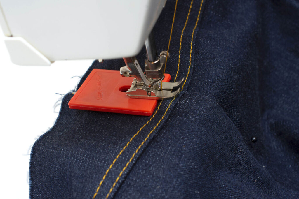 This image has an empty alt attribute; its file name is top-ten-sewing-tools-for-10-dollar-or-less_3-1024x683.jpg